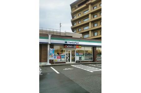 ファミリーマート七尾和倉店の画像