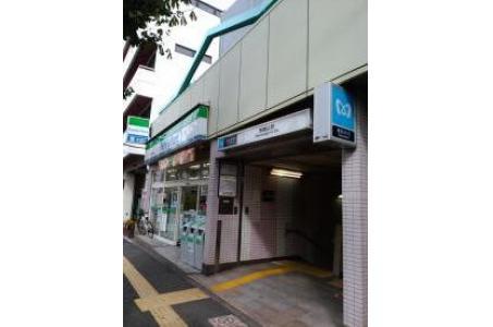 ファミリーマート本駒込駅前店の画像