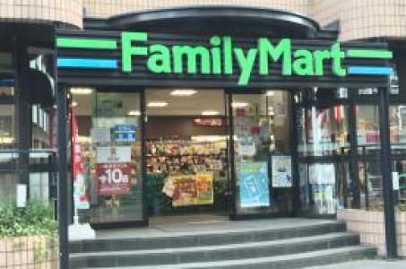 ファミリーマート南青山四丁目店の画像